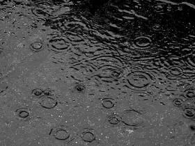 800px-here_comes_rain_again